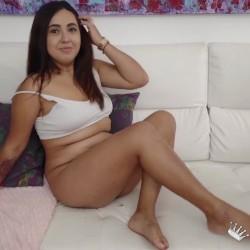 Andrea Santos acude a nosotros para que un PICHÓN rompa su culo por primera vez
