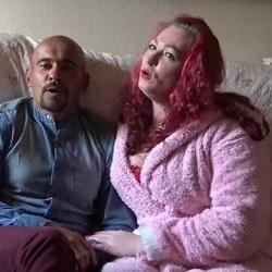 Erika, la jamona pelirroja y Edy, el madurito que no deja agujero sin tapar. PepePorn.com