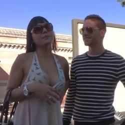 Coto rompe el culo de Lauren, la guía turística con polla