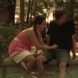 Alba hunts in El Retiro a teen with a girlfriend. 'Would you cuckold your girlfriend for everyone in Spain to see?'