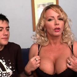 La pornstar Bibian Norai,  accede a dar una lección de sexo a nuestro Jordi, el niño polla.