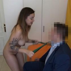 Katrina, la chica colombiana que quiere tirarse al hijo de su jefe de 18 años recién cumplidos.
